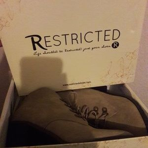 Restricted boots